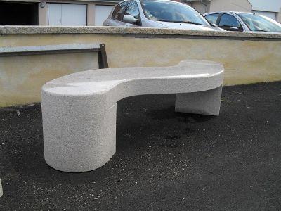 achat en ligne de banc en granit original marbrerie belfort. Black Bedroom Furniture Sets. Home Design Ideas