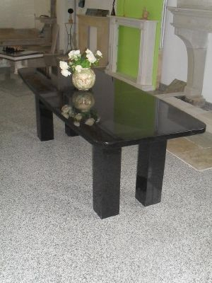 table en granite noire pas ch re granitier marbrerie en ligne. Black Bedroom Furniture Sets. Home Design Ideas